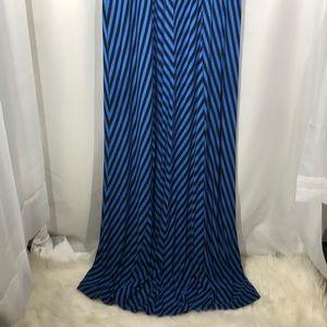 🍊Blue & Black Striped Maxi Dress
